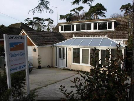 Waters Edge B&B, Mudeford, Christchurch, Dorset - Image 1 - Highcliffe - rentals