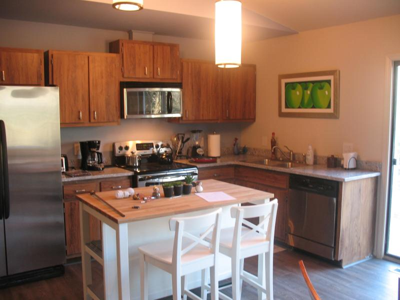 Kitchen - The Rock House / Driftwood Cabins - Asheville - rentals