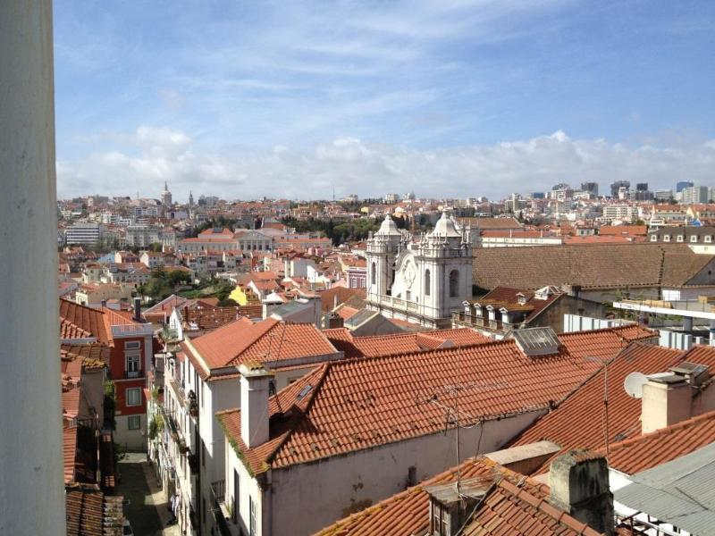 Wonderful views from all windows! - Bright and Cozy Flat 11 Fast WIFI - Lisbon - rentals