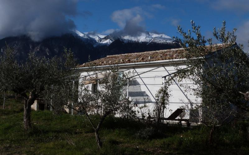 The house and view of the Maiella mountains. January 2014 - Casa Mare Monti Caprafico - Casoli - rentals