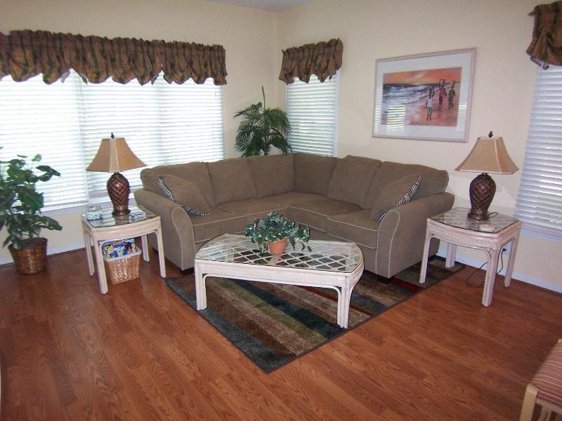 Bright living room with comfortable sofa - 1 BR (3DLL) w/King Bed, 1 Mile from the Beach - Sunset Beach - rentals
