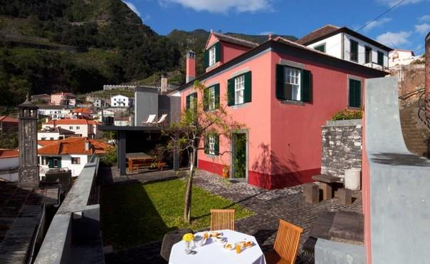 Holiday House in Madeira for up to 8 people  with sea view, only 300 meters to the beach - PT-1075726-Seixal / Porto Moniz - Image 1 - Porto Moniz - rentals