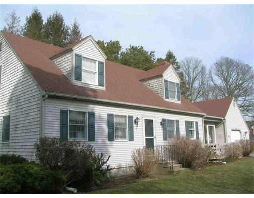 Exterior - 5 Bedrooms in Chatham with Lake Rights! - Chatham - rentals