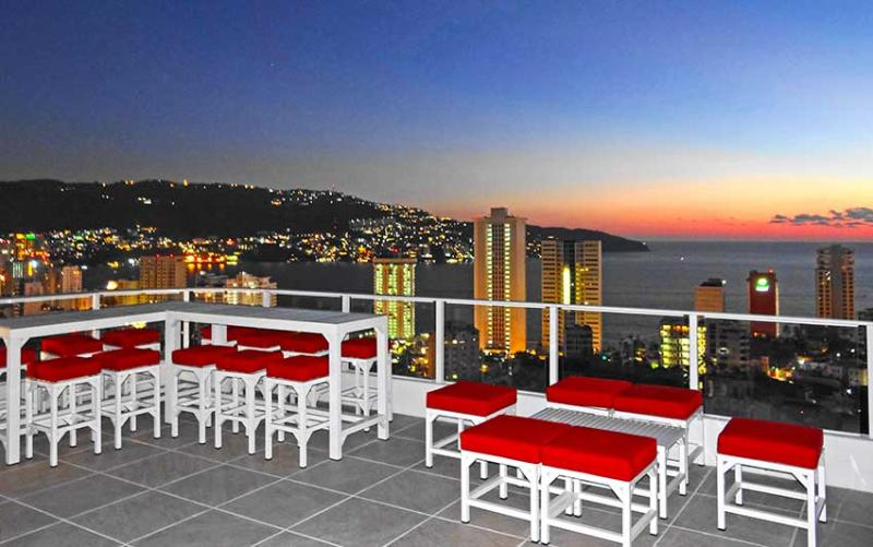 ROOF TOP PENTHOUSE PARTY TERRACE - CELEBRITY 13 BEDROOM  OCEAN VIEW MANSION - Pacheco - rentals