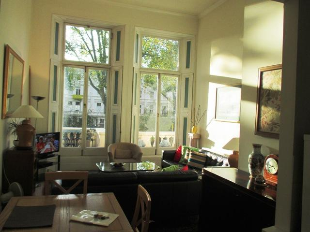 2 bedroom Kensington apartment with terrace overlooking gardens - Image 1 - London - rentals