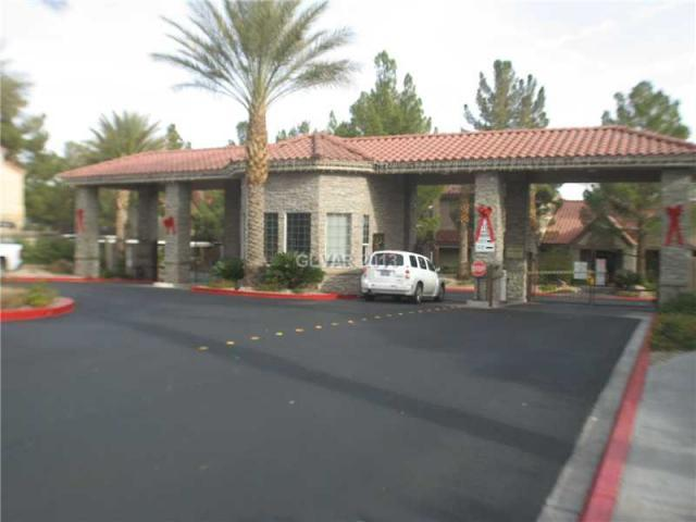 Gated Entrance - 5 minutes from strip! Luxury Condo Red Rock - Las Vegas - rentals