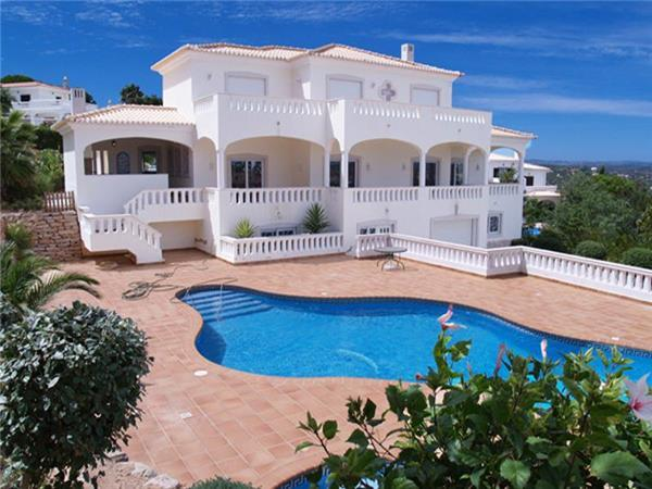 Luxury holiday house for 10 persons, with swimming pool , in Lagos - Image 1 - Lagos - rentals
