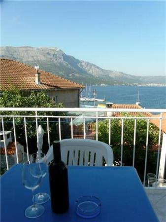 Renovated apartment for 2 persons near the beach in Korcula - Image 1 - Korcula - rentals
