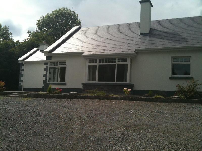 Outside view 1 - Holiday Home, Cong, Co. Mayo - Cong - rentals