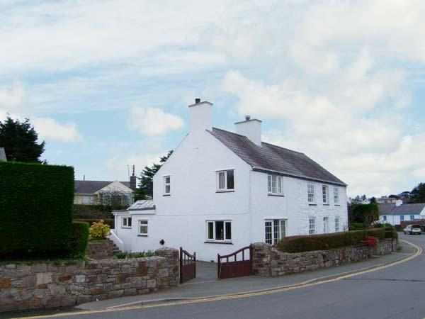 GLAN Y DON BACH, semi-detached cottage, open fire, off road parking, central village location, in Abersoch, Ref 20127 - Image 1 - Abersoch - rentals