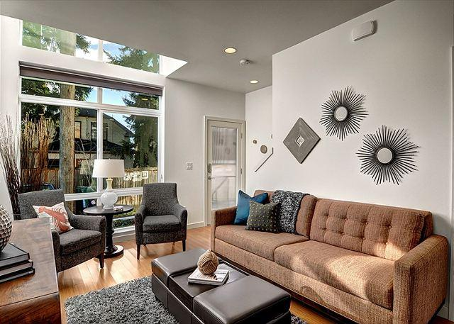 Living Room - Fremont Jet City Townhome - Seattle - rentals