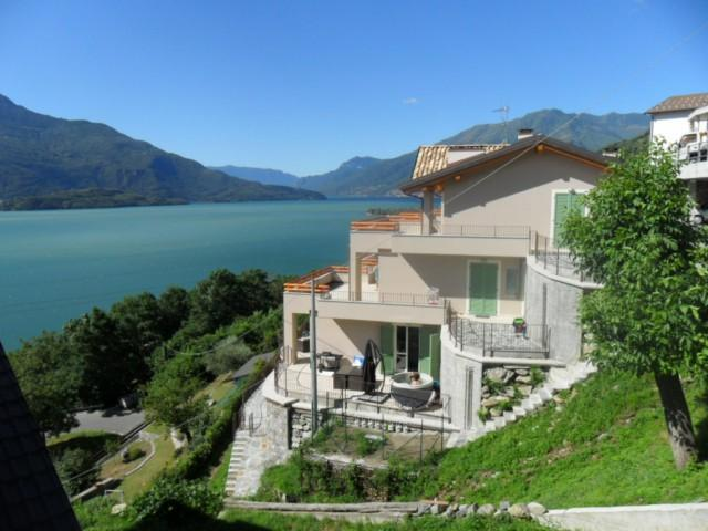 Spectaculair view over Lake Como with Jacuzzi! - Image 1 - Nuxis - rentals