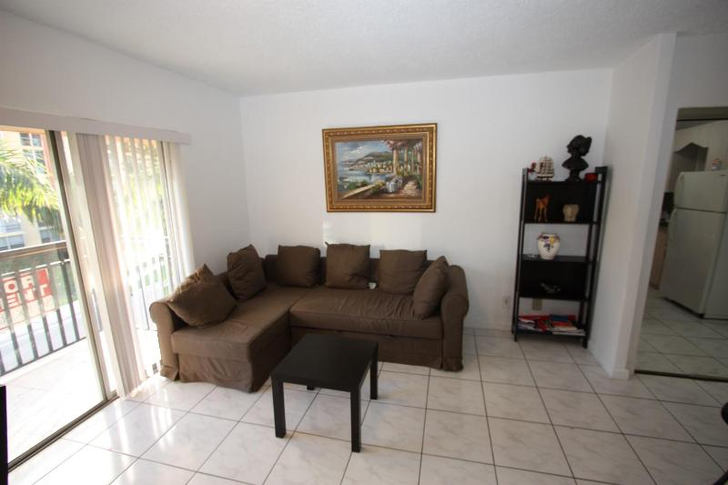 Nice Apartment closed to the beach & Shops - Image 1 - Sunny Isles - rentals