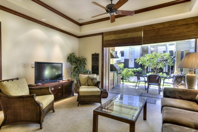 Living Room (Look at the beautiful glass sliding doors) - Sale!  $200 per night for Sept thru Oct 2014 - Waikoloa - rentals