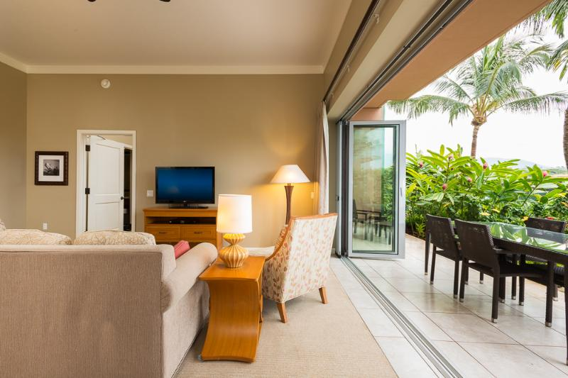 Living Room / Lanai Area - Honua Kai: Ground Floor Two Bedroom - Kaanapali - rentals