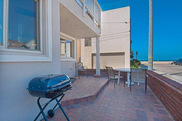 View from patio to the beach - 106 A 30th Street- Lower 3 Bedrooms 2 Baths - Newport Beach - rentals