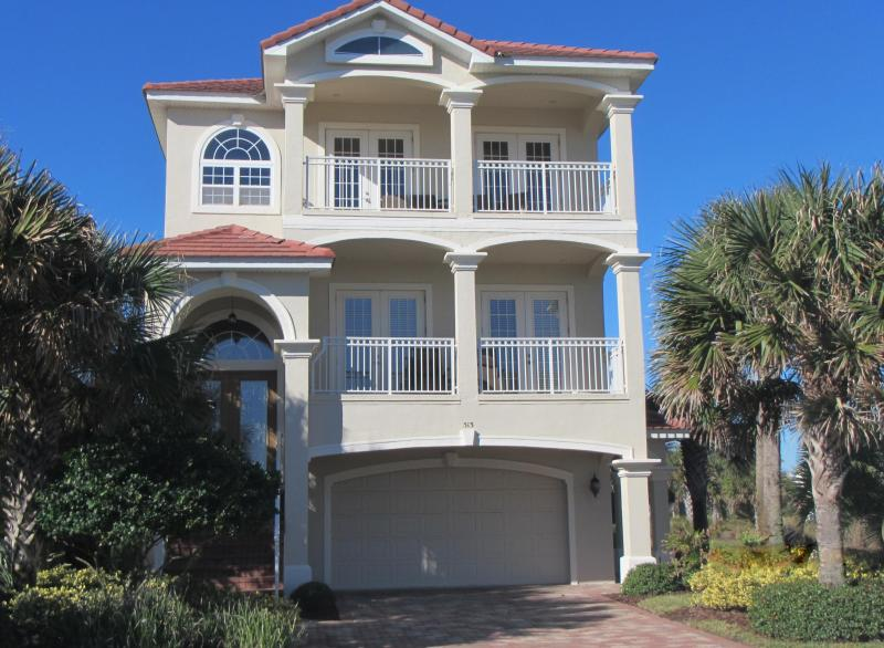 Oliver's Hideaway - 3 floors of relaxation, Ocean & Lake views, Elevator, 3 doors from 2 pools - Cinnamon Beach - Ocean & Lake, Elevator, 2 pools - Palm Coast - rentals