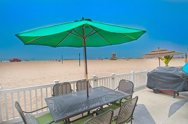 Patio with view to the beach - 3907 A Seashore- Lower 3 Bedroom 2 Baths - Newport Beach - rentals