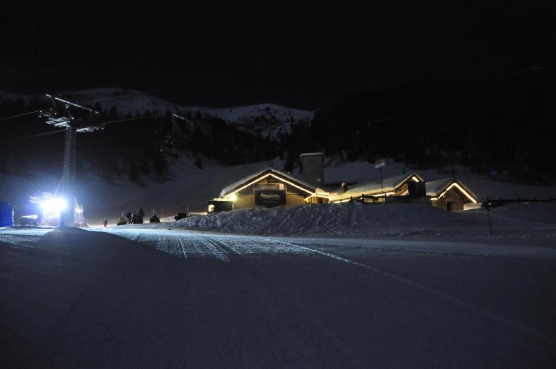 Baitagrimod and restaurant by night - white weeks in a cabin surrounded by ski slopes - Pila - rentals