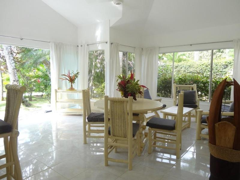 Beautiful villa for 4 persons feet in the water - Image 1 - Las Terrenas - rentals