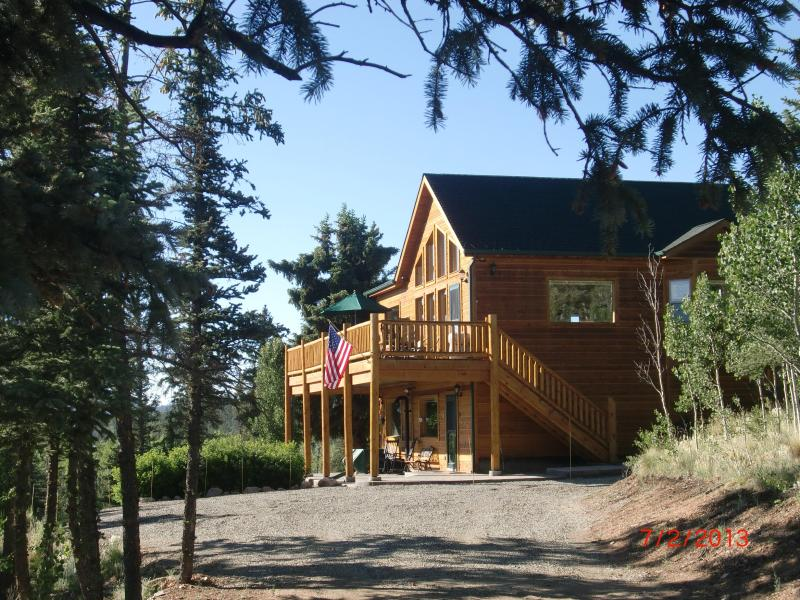 2,050 sq. ft. cabin/house in heart of Colorado Rockies - Great Mountain Views, Wooded Lot, Many Extras! - Fairplay - rentals