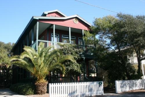 Playhouse - Art and Whimsy - Sophistication - Playhouse - Seagrove Beach - rentals