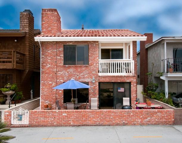 Front - 414 A East Oceanfront- Lower 3 Bedroom 2 Baths - Newport Beach - rentals