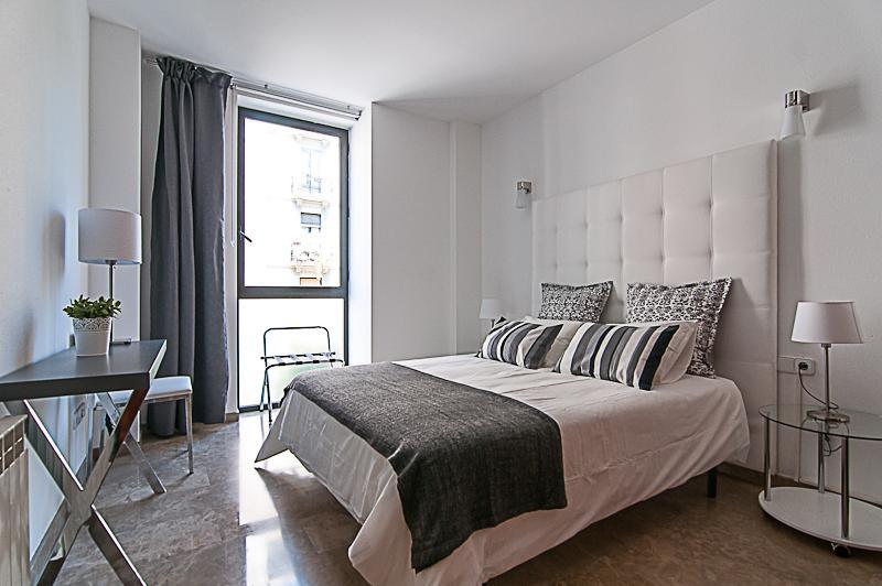 Picasso Suites 4.1 Luxury Apartment - Image 1 - Barcelona - rentals