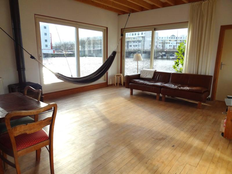Living room includes a hammock with a view - ROMANTIC & PRIVATE FAMILY HOUSEBOAT - Amsterdam - rentals