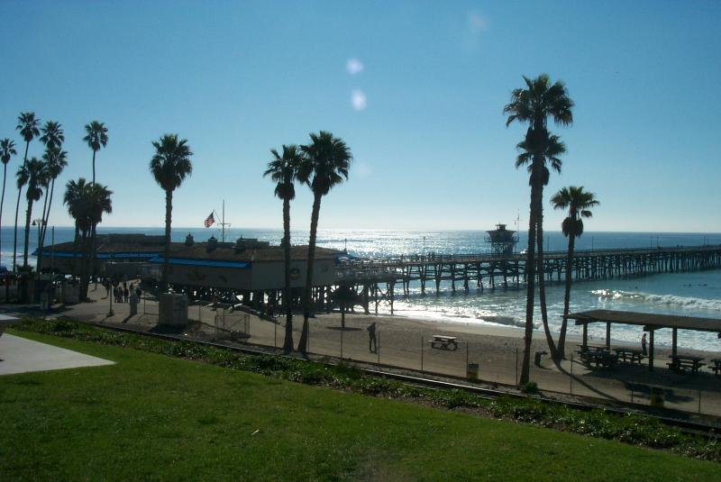 San Clemente Pier - Condo with Golf Course View 1/2 block from ocean - San Clemente - rentals