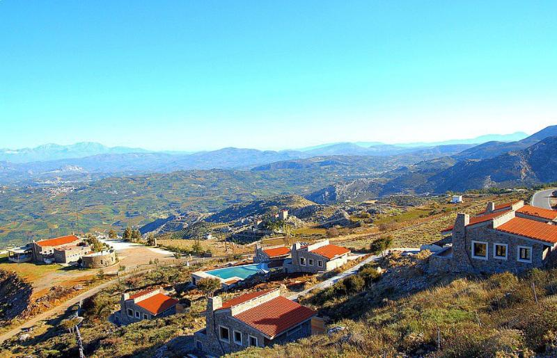 Panoramic photo of Aetovigla Guest Houses - Aetovigla Guest Houses - Heraklion - rentals