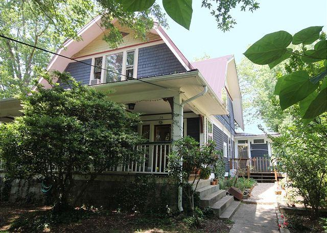 Walk to Downtown Asheville - The Tree House near Downtown Asheville. Pet friendly, Wi-Fi. - Asheville - rentals
