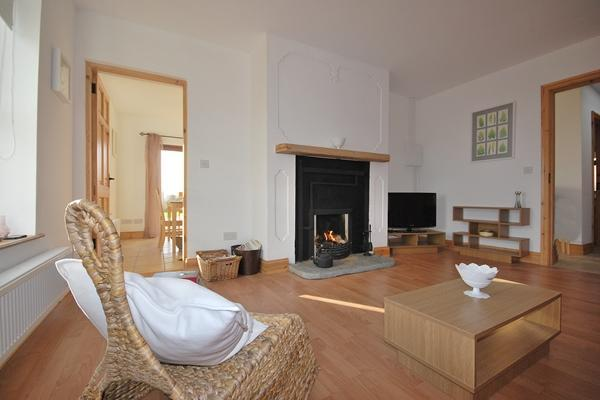YNA Dingle Cottages - Little Liss Cottage - Image 1 - Cloghane - rentals