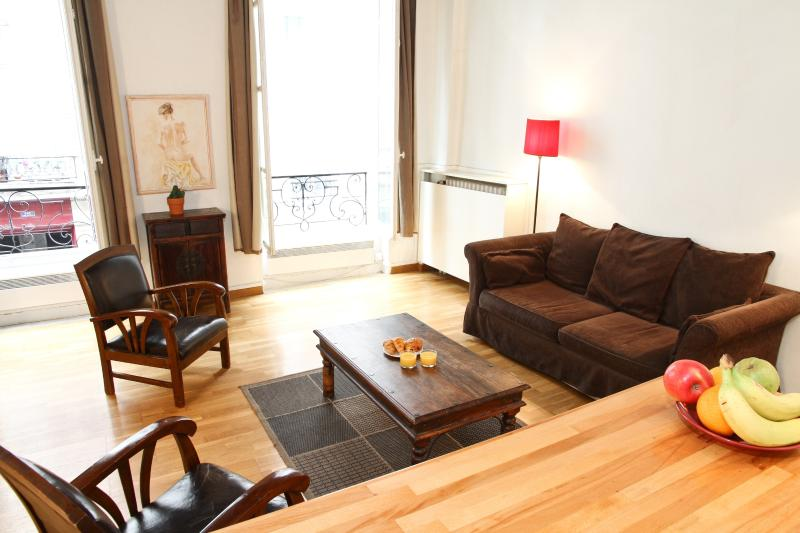 Living Room With High Ceilings - 35. BEST OF SAINT GERMAIN - STEPS FROM THE SEINE! - 6th Arrondissement Luxembourg - rentals