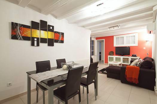 City Center Apt in the Gotico (Old City) for 11! - Image 1 - Barcelona - rentals