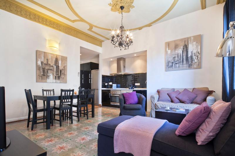 Modernist floor and ceiling - Chic apartment for 6 at the very city center - Barcelona - rentals