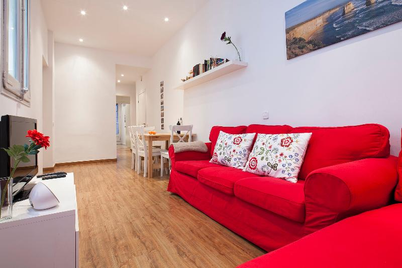 Comfortable sofa and chaiselong - Quiet apartment for 6 at the very city center - Barcelona - rentals