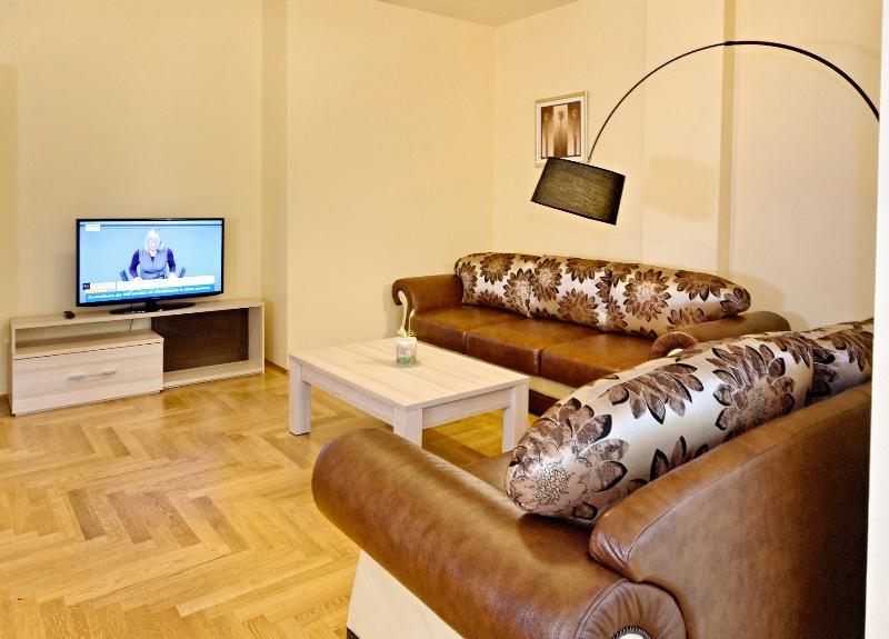 Living Room - 2 Bedroom Apartment for 6 people (by AMC) - Berlin - rentals