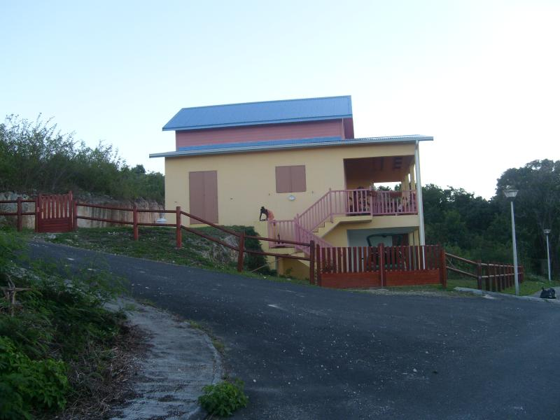 Side view of the whole house - Beautiful Single House Close to Magnificent Beach - Port-Louis - rentals
