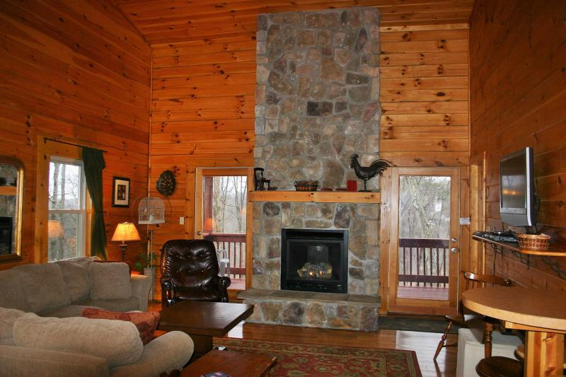 Great Room has a Gas Log  Fireplace - Great Family Stays in the Heart of Hocking Hills - Logan - rentals