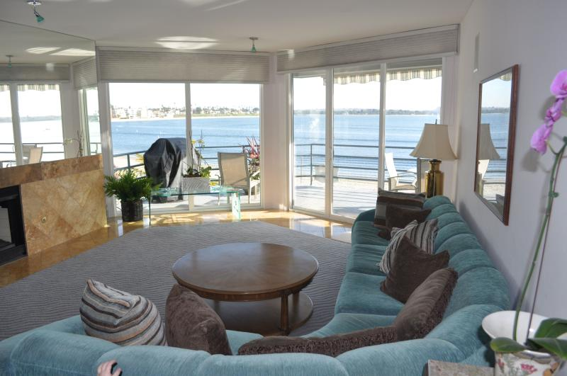 Living Area - Beautiful 3 Bedroom Condo on Mission Bay - San Diego - rentals
