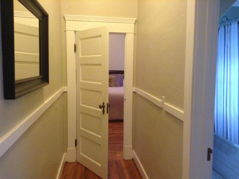 Welcome to Upstairs at Opal 28 - Spacious Vintage One Bedrooms/Vibrant Neighborhood - Portland - rentals