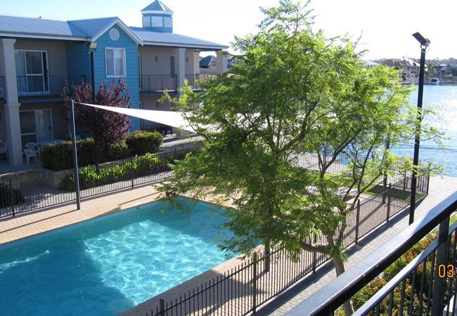Luxury Apollo Quay 3 Bedroom Apartment - Image 1 - Mandurah - rentals