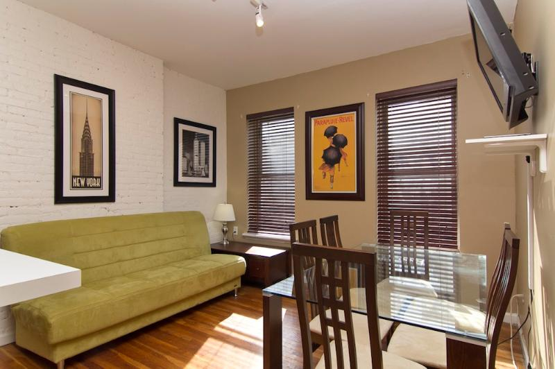 Living Room with sleep sofa - Sleeps 7! 4 Bed/2 Bath Apartment, Times Square, Awesome! (8074) - New York City - rentals