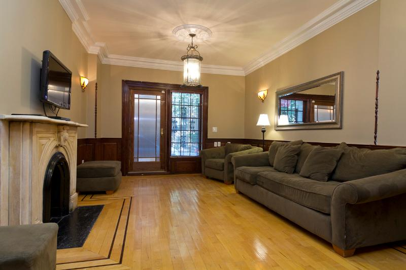Living Room (with no sleep sofa - Sleeps 10! 4 Bed/3 Bath Apartment, Midtown East, Awesome! (8268) - New York City - rentals