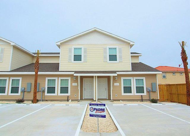 Front of property - Beach Walk 003 - Corpus Christi - rentals