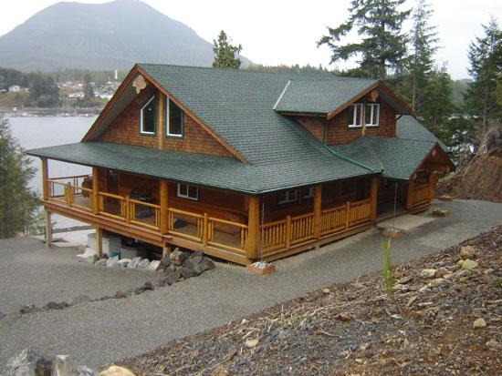 A beautiful fishing lodge overlooking the Ucluelet - Image 1 - Ucluelet - rentals