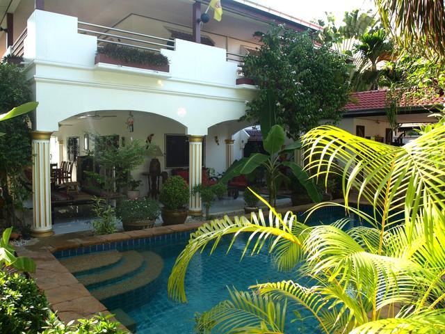 ROYAL VILLA WITH VERY PRIVATE SWIMMING POOL - Image 1 - Pattaya - rentals