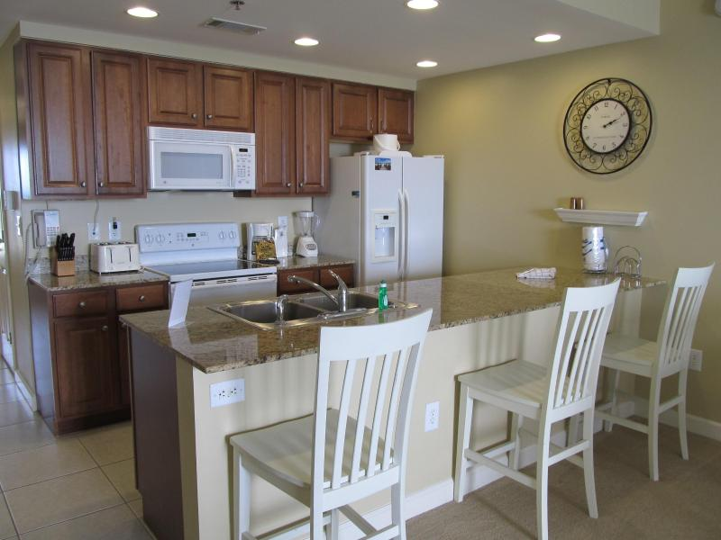 Full Kitchen - Splash 2 Bedroom 2 Bath plus Bunk Oceanfront Beachfront Condo Panama City Beach - Panama City Beach - rentals