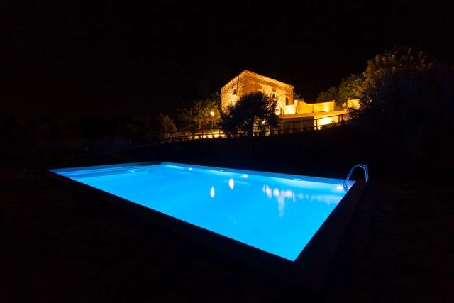 The pool and the villa in a summer night - TOWER CHIU CHIU: luxury villa with private pool, turkish bath, sauna and tennis court - Scicli - rentals